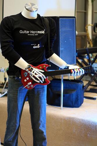 guitar_hero_robot.jpg