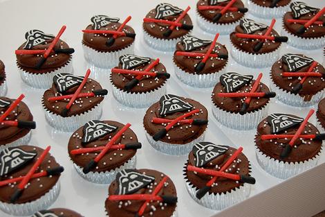 darth-vader-cupcakes.jpg