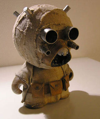 Munny tusken raider gearfuse vinces roommate is really in to kidrobots munny dolls for those not familiar theyre blank do it yourself vinyl figures which can be decorated any way solutioingenieria Choice Image