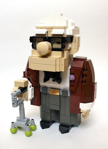LEGO_UP