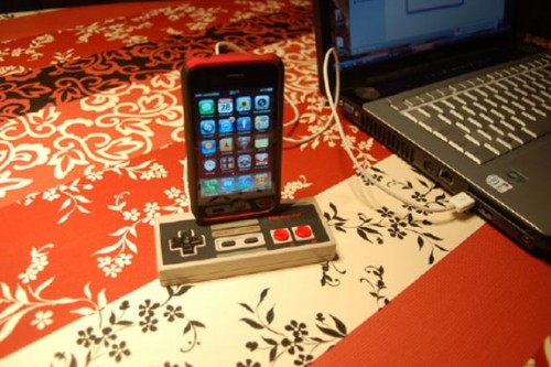 nes-controller-iphone-3gs-dock_3