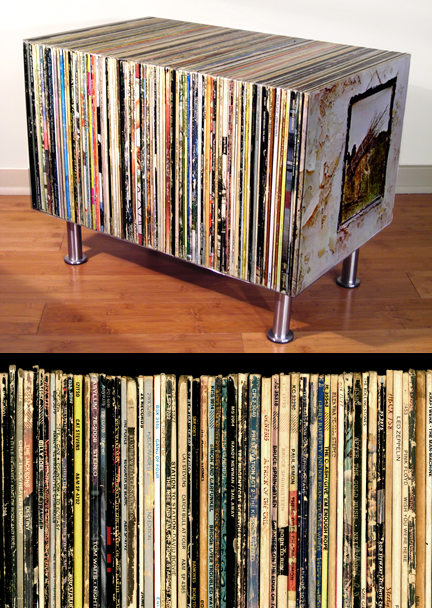 Record table made of recycled classic rock vinyl records - Mobile porta dischi vinile ...