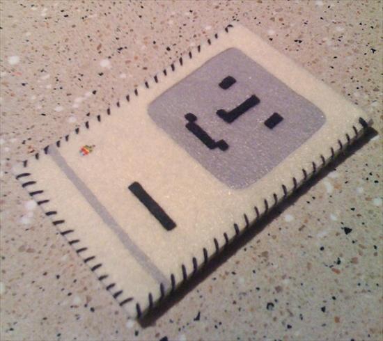 mac-classic-iphone-case
