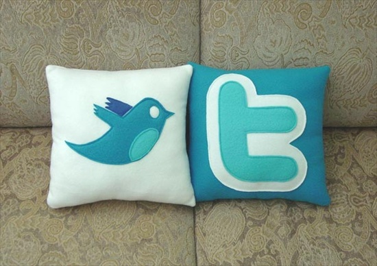 twitter-bird-icon-pillow_2