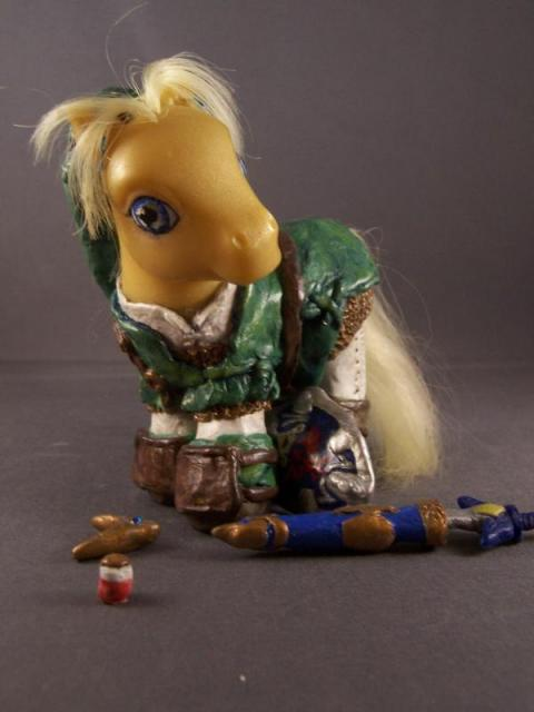 zelda-pony-toy