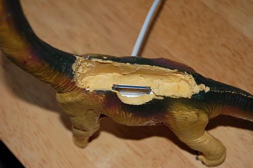 dinosaur-iphone-dock3