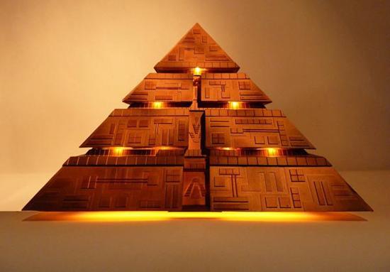 pyramid-htpc-casemod_1
