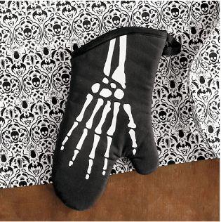 skeleton-oven-mitt