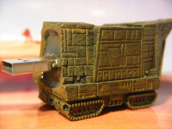 star-wars-sandcrawler-usb-drive_1