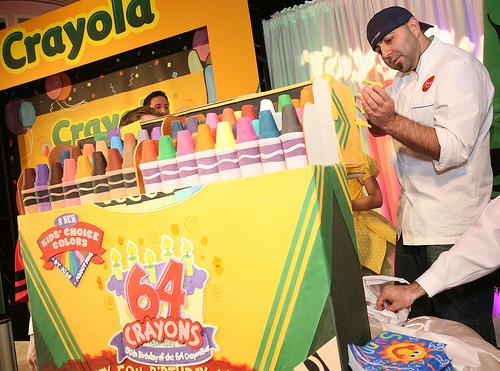 crayola 64 crayons box cake Realistic Crayola 64 Box Cake Brings the Noms