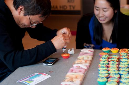 periodic-table-cupcake-making