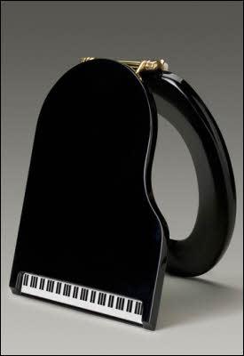 piano-toilet-seat