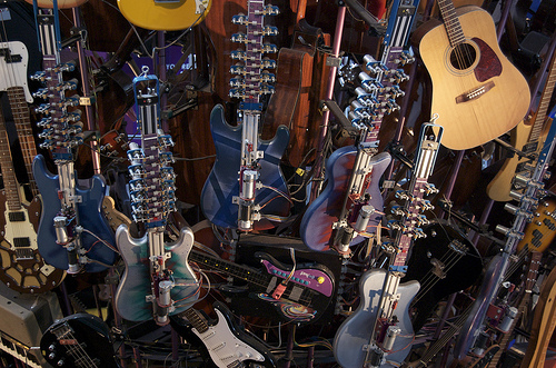 The Guitar Tornado Plays Tunes via Robotic Fingers