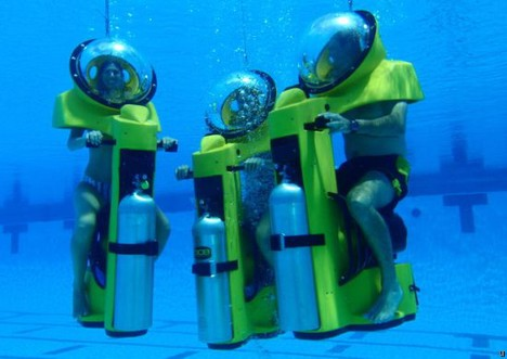 Hydrodome BOB: The Underwater Scooter