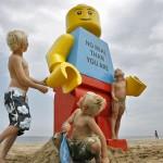 giant-lego-man