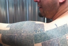 Man Gets 10,000 URLs Tattooed on His Body