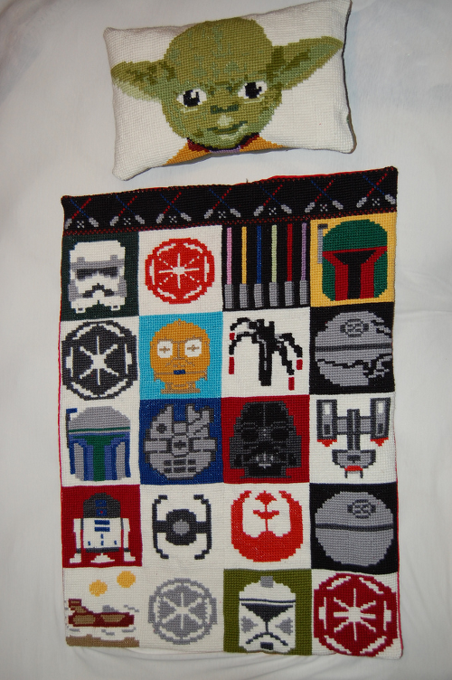 Star-Wars-pillow-and-blanket