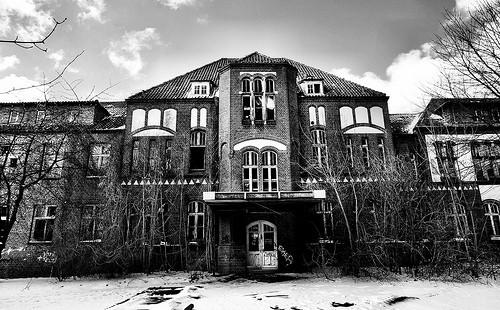 Urban Exploration - Abandoned Hospital