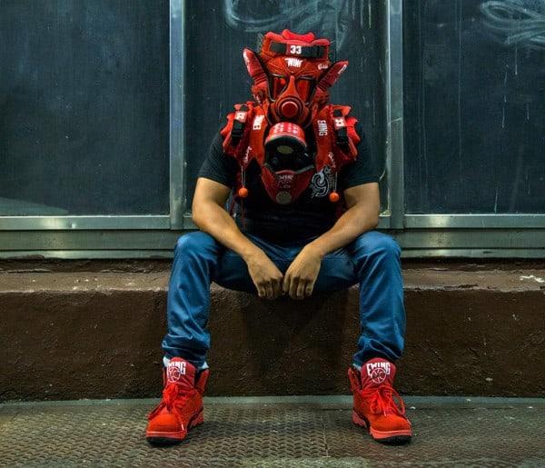 sneaker-gas-mask2