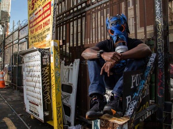 sneaker-gas-mask5