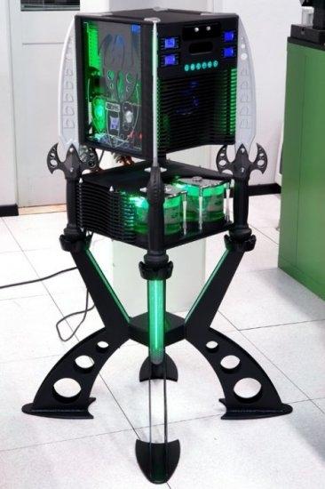 The Dark Blade Case Mod Looks Like Alien Hardware Gearfuse