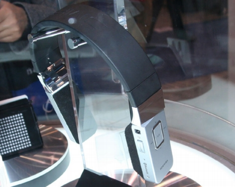 toshibaphones2.jpg